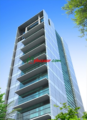 A nicely Structured commercial building is ready for rent in Sector 06, Uttara এর ছবি