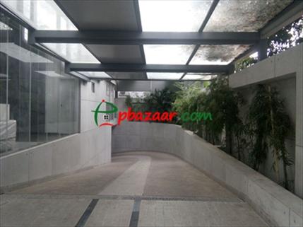 Brand New Semi Furnished Apartment By Navana এর ছবি
