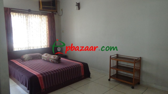 Semi Furnished  এর ছবি