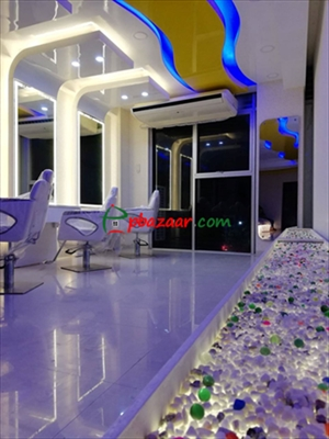 Picture of Luxurious Parlour/Salon on Panthapath main road