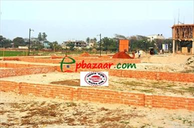 Picture of Ready Plot near Uttara-10