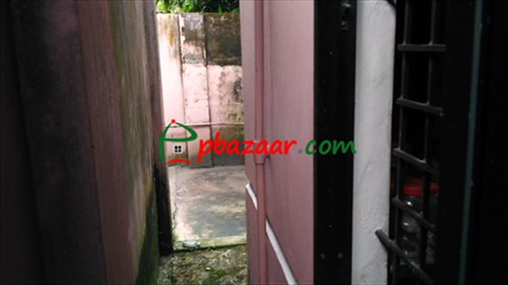 রংপুর শহরের মুন্সিপাড়ায় ৫ শতক জমিসহ বাড়ী বিক্রয় এর ছবি