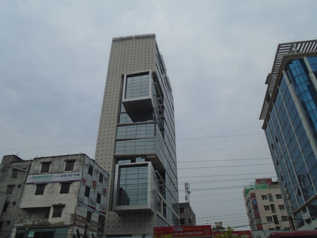 Picture of 4200 Sq-ft ready commercial space for rent in Progoti Sharoni, Shahajadpur.