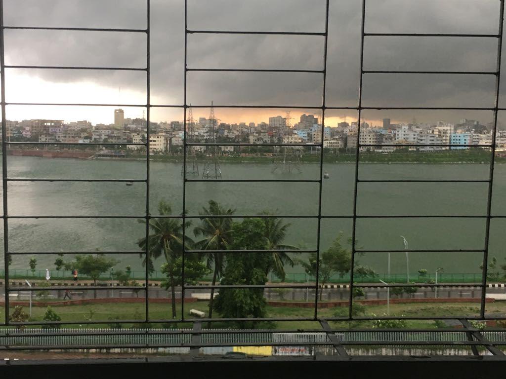 Furnished Apartment with Hatirjheel Lake view এর ছবি