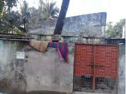 2.8 Katha / 2.33 Gonda Plot with an old semi-paka Building For Sale at Comilla Housing Estate  এর ছবি