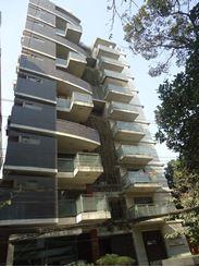 Large & Bright Apartment ( Semi Furnished) এর ছবি